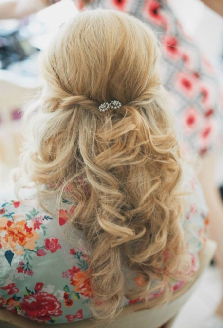 Popular Christmas Half Updos Ideas37