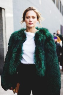Stylish Emerald Coats Ideas For Winter10