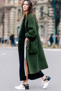 Stylish Emerald Coats Ideas For Winter13