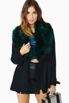 Stylish Emerald Coats Ideas For Winter31