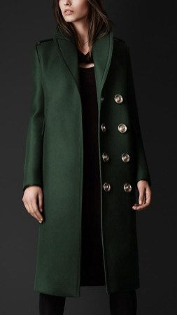 Stylish Emerald Coats Ideas For Winter35