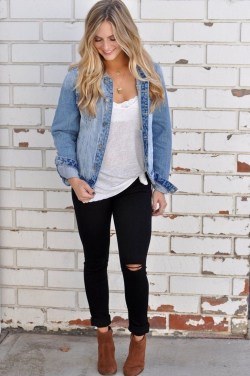 Adorable Winter Outfits Ideas With Jeans07