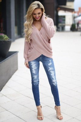 Adorable Winter Outfits Ideas With Jeans27