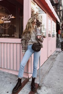 Adorable Winter Outfits Ideas With Jeans31