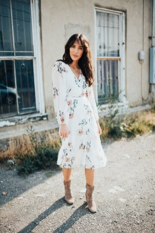 Amazing Winter Dresses Ideas With Boots25