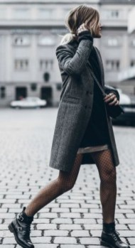 Awesome Winter Dress Outfits Ideas With Boots10