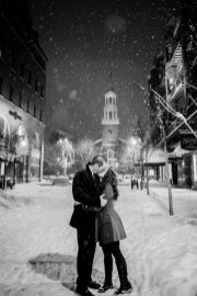 Best Winter Engagement Photo Ideas09