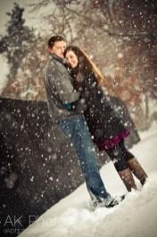 Best Winter Engagement Photo Ideas17