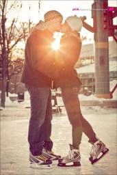 Best Winter Engagement Photo Ideas26