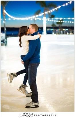Best Winter Engagement Photo Ideas30