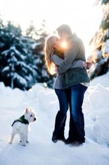 Best Winter Engagement Photo Ideas34