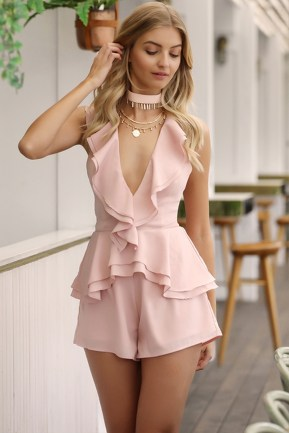 Classy Outfit Ideas For Valentine'S Day08