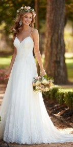 Elegant Wedding Dress Ideas For Valentines Day12