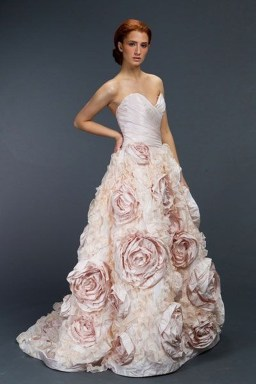 Elegant Wedding Dress Ideas For Valentines Day24