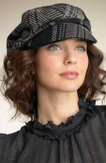 Fascinating Winter Hats Ideas For Women With Short Hair15