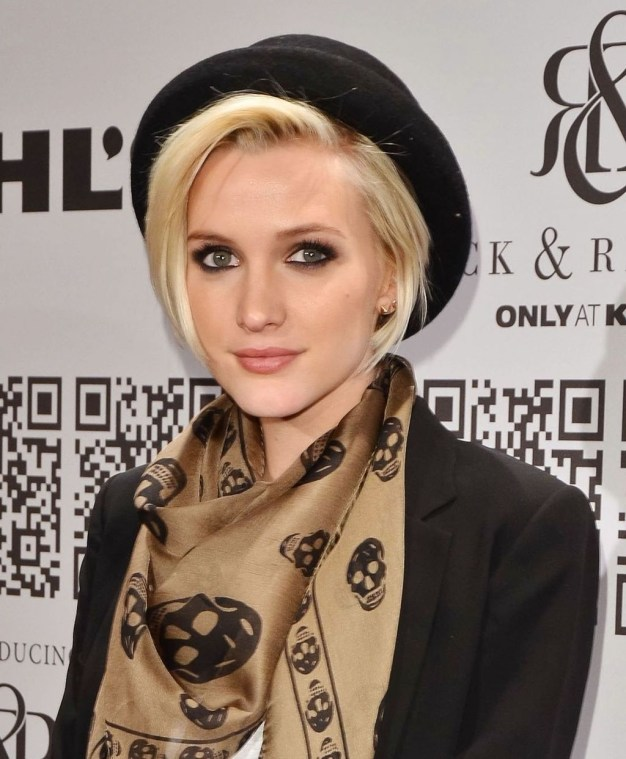 Fascinating Winter Hats Ideas For Women With Short Hair45