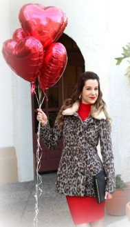 Inpiring Outfits Ideas For Valentines Day31