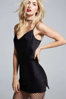 Perfect Black Mini Little Dress Ideas For Valentines Day03