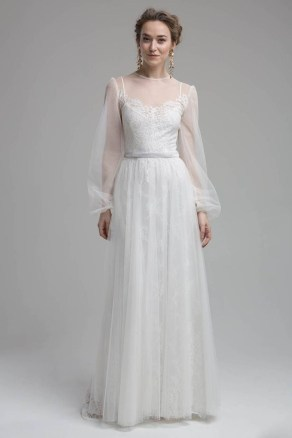 Perfect Winter White Dresses Ideas With Sleeves25