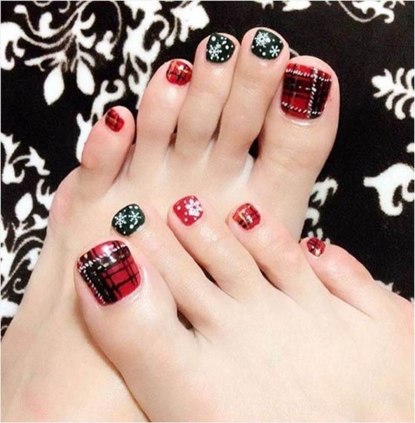 Stunning Toe Nail Designs Ideas For Winter01