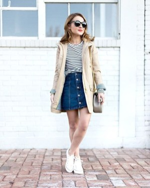 Stunning Winter Outfits Ideas With Skirts35