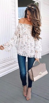 Beautiful Outfits Ideas To Wear This Spring21