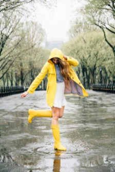 Cute Yellow Outfit Ideas For Spring03
