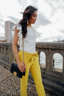 Cute Yellow Outfit Ideas For Spring05