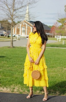 Cute Yellow Outfit Ideas For Spring11
