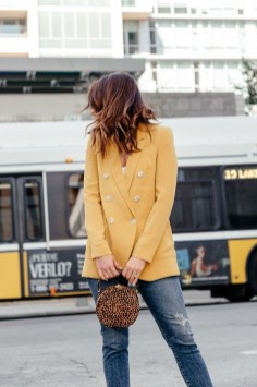 Cute Yellow Outfit Ideas For Spring12