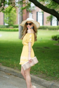 Cute Yellow Outfit Ideas For Spring29