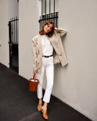 Delicate Spring Outfit Ideas To Copy01