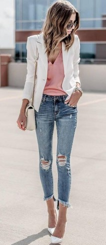Delicate Spring Outfit Ideas To Copy07