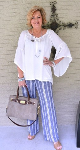 Delicate Spring Outfit Ideas To Copy09