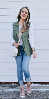 Delicate Spring Outfit Ideas To Copy19