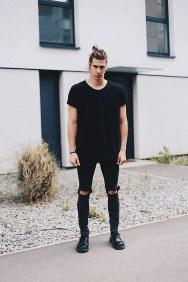 Elegant Black Outfits Ideas22
