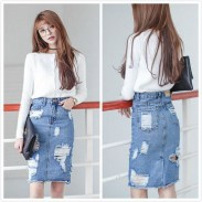 Elegant Denim Skirts Outfits Ideas For Spring08