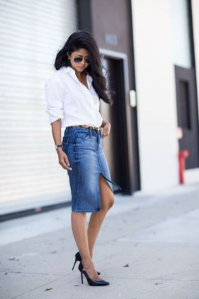 Elegant Denim Skirts Outfits Ideas For Spring16