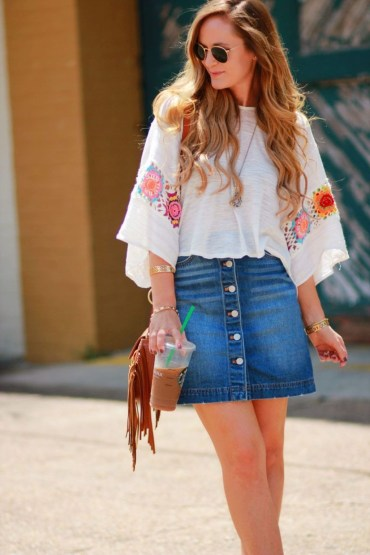 Elegant Denim Skirts Outfits Ideas For Spring33