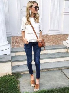 Latest Jeans Outfits Ideas For Spring20