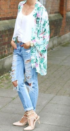 Latest Jeans Outfits Ideas For Spring35