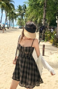 Stylish Fashion Beach Outfit Ideas13