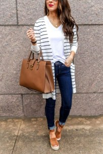 Attractive Spring Outfits Ideas13