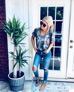 Attractive Spring Outfits Ideas21