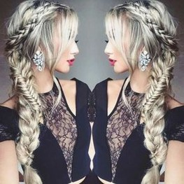 Beautiful Long Hairstyle Ideas For Women08