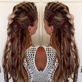Beautiful Long Hairstyle Ideas For Women17