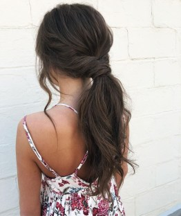 Beautiful Long Hairstyle Ideas For Women31
