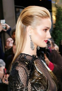 Beautiful Long Hairstyle Ideas For Women37