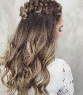 Beautiful Long Hairstyle Ideas For Women39