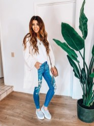 Fabulous Spring Outfits Ideas To Wear Now24
